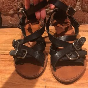 Madewell black buckle wedge sandal.
